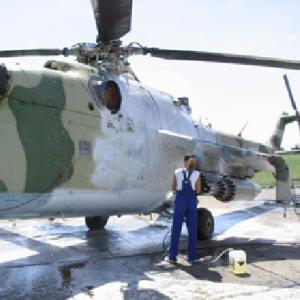 Mycie i proces dezynfekcji śmigłowców bojowych