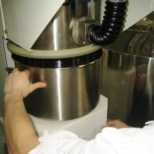 Proces odpylania podczas zasypu materiałów